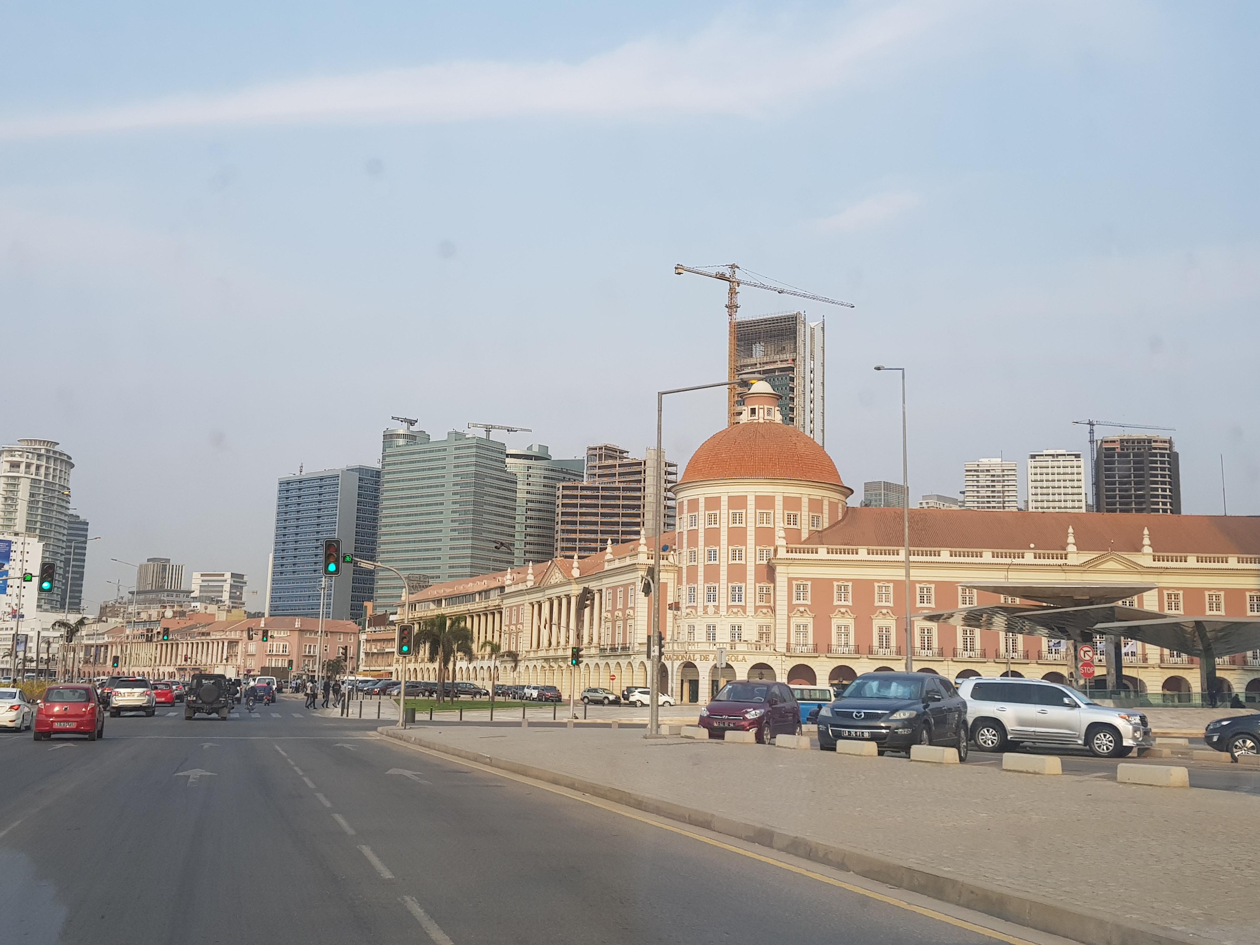 2-Angola, capital de Luanda