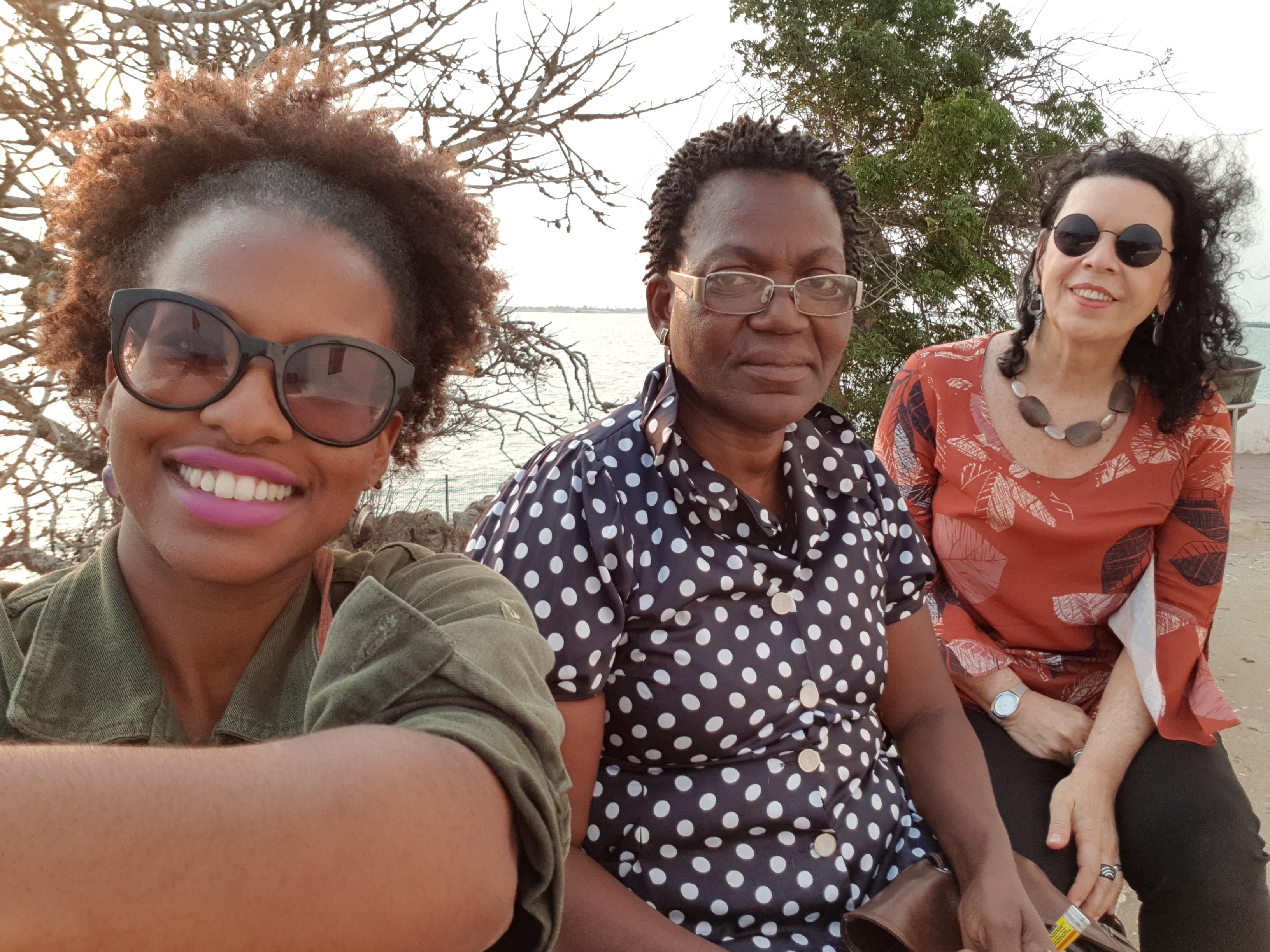 3-Yersia Souza, Teresa Aço e Ilka Boaventura em visita ao Museu da Escravatura