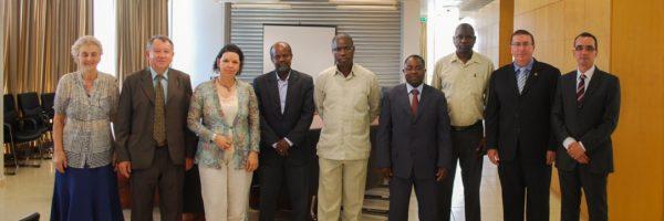 Visita de Missão da UFSC a Luanda e Reunião com a administração central da Universidade Agostinho Neto em fevereiro de 2012.